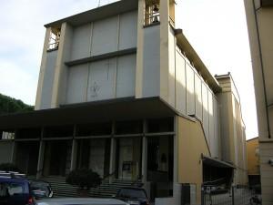800px-Chiesa_di_San_Zanobi_e_dei_Santi_Fiorentini_01