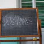 """Hug Time"" dalla II e III liceo scientifico «Gianelli» • Chiavari."