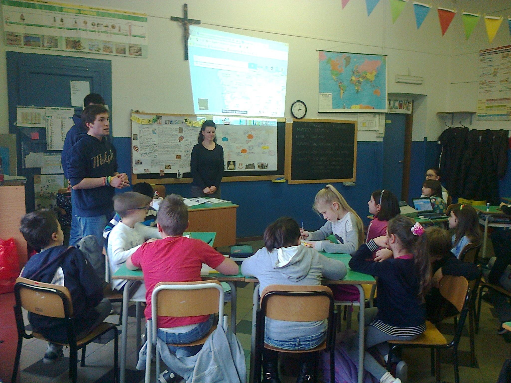 """""""Luci per guidare l'umanità"""" dalla 5C scuola primaria """"Carlo Collodi"""" • Rondissone (To)"""