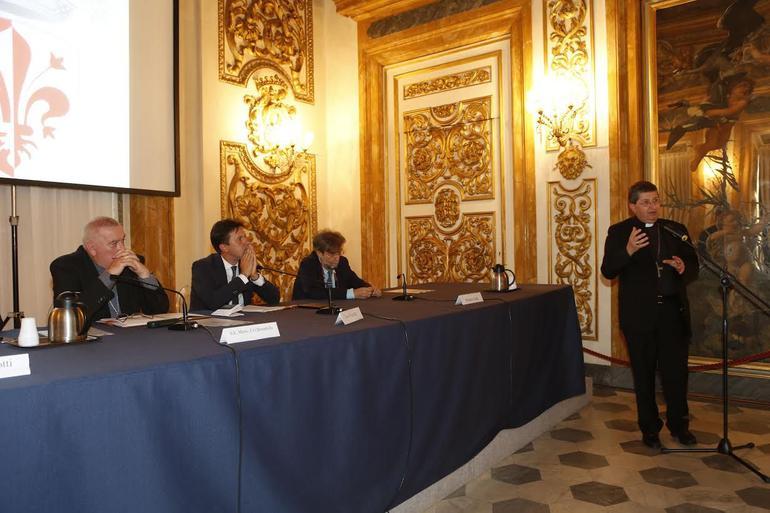 Riflessioni-per-un-nuovo-umanesimo-la-citta-si-prepara-a-Firenze-2015_articleimage