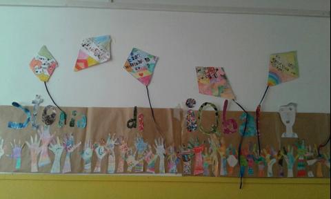 """""""Aquiloni della libertà contro la schiavitù"""" dalla 4A e 4B scuola primaria """"Pieraccini"""" • Poggibonsi (Si)"""