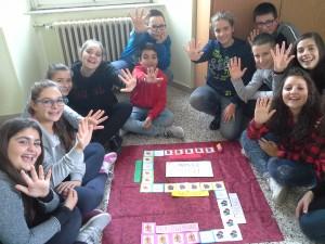 """""""5 nuovi amici: un gioco per sentirsi più umani"""" dalla 3B scuola secondaria di I grado """"Veroli 1"""" • Veroli (Fr)"""