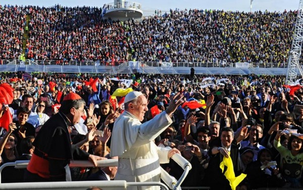 papa_francesco_firenze_stadio_01